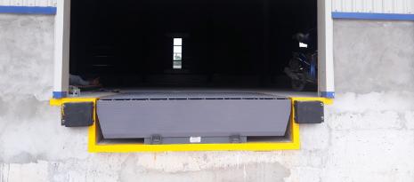 Bàn Giao 6 Bộ Dock Leveler Rite-Hite Đến Khách Hàng Đà Nẵng