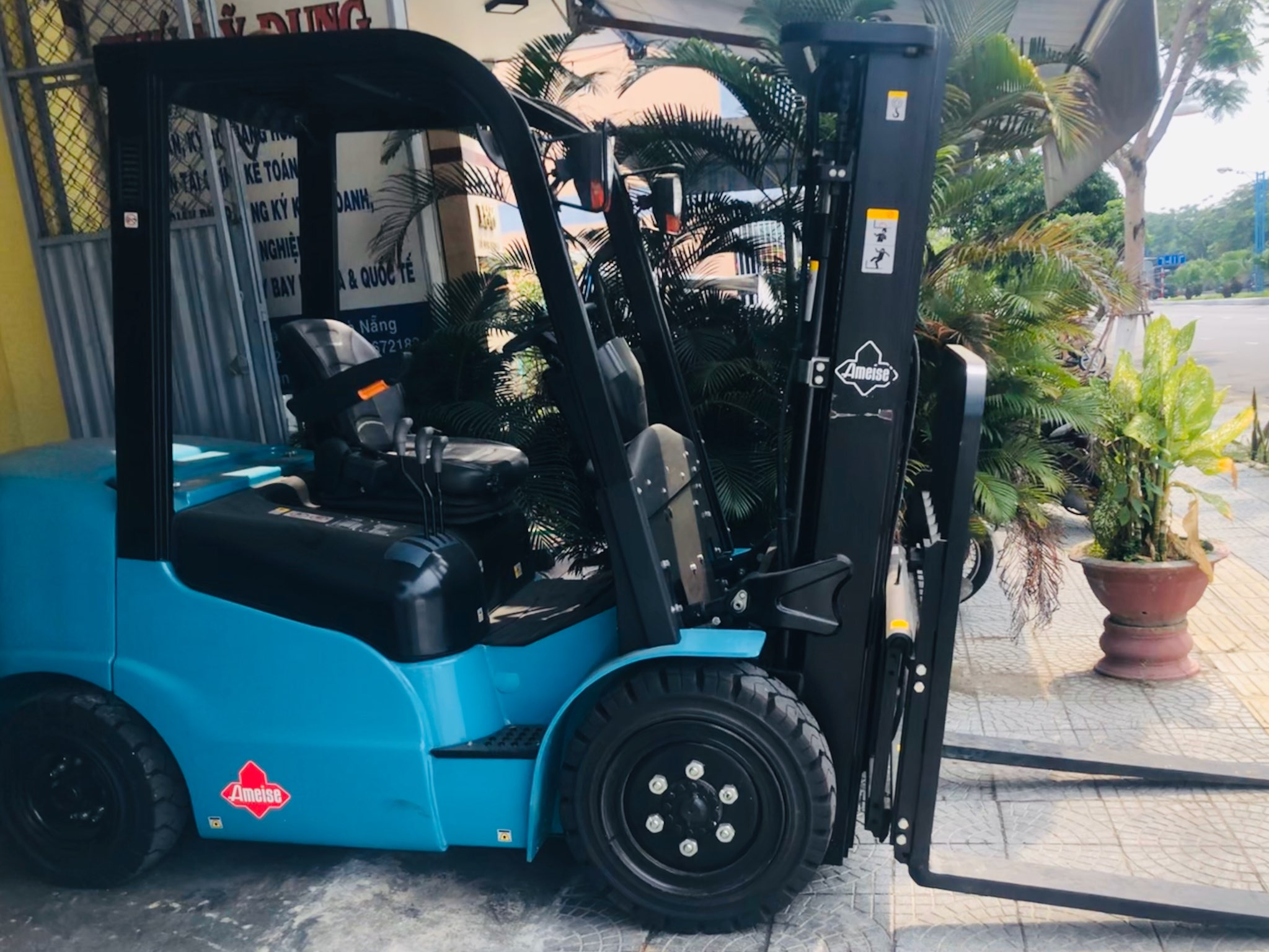 Xe Nâng Dầu Counterbalance Junghienrich Ameise FTD 25